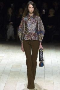 блузка из парчи