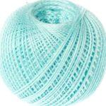 клубок голубых ниток