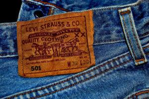 джинсы задний карман