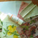 клей и кусочки ткани