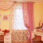 шторы в интерьере детской