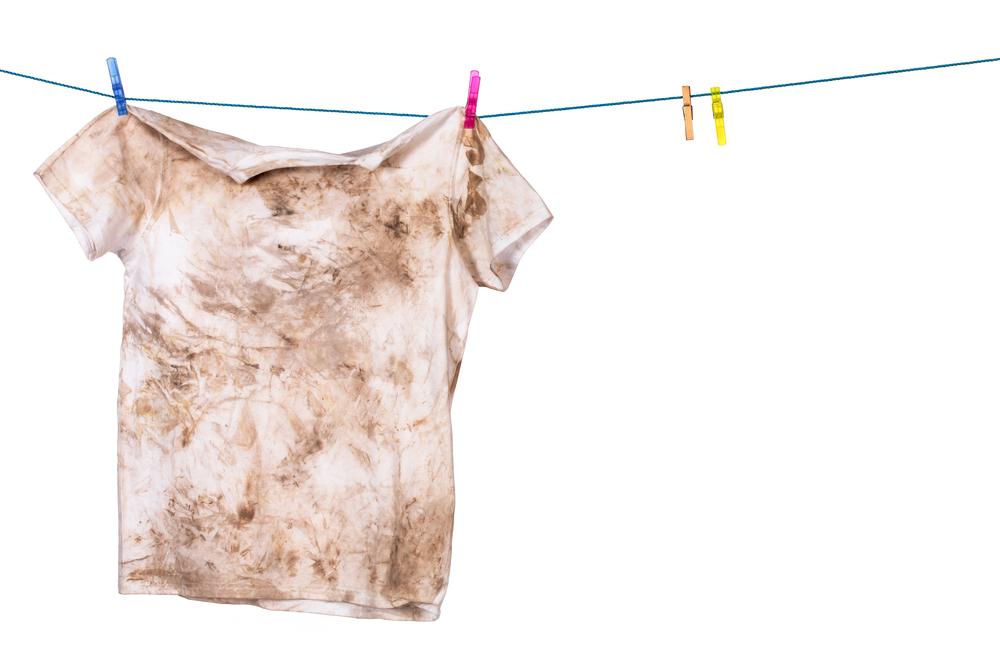 Чем можно отстирать солярку с одежды